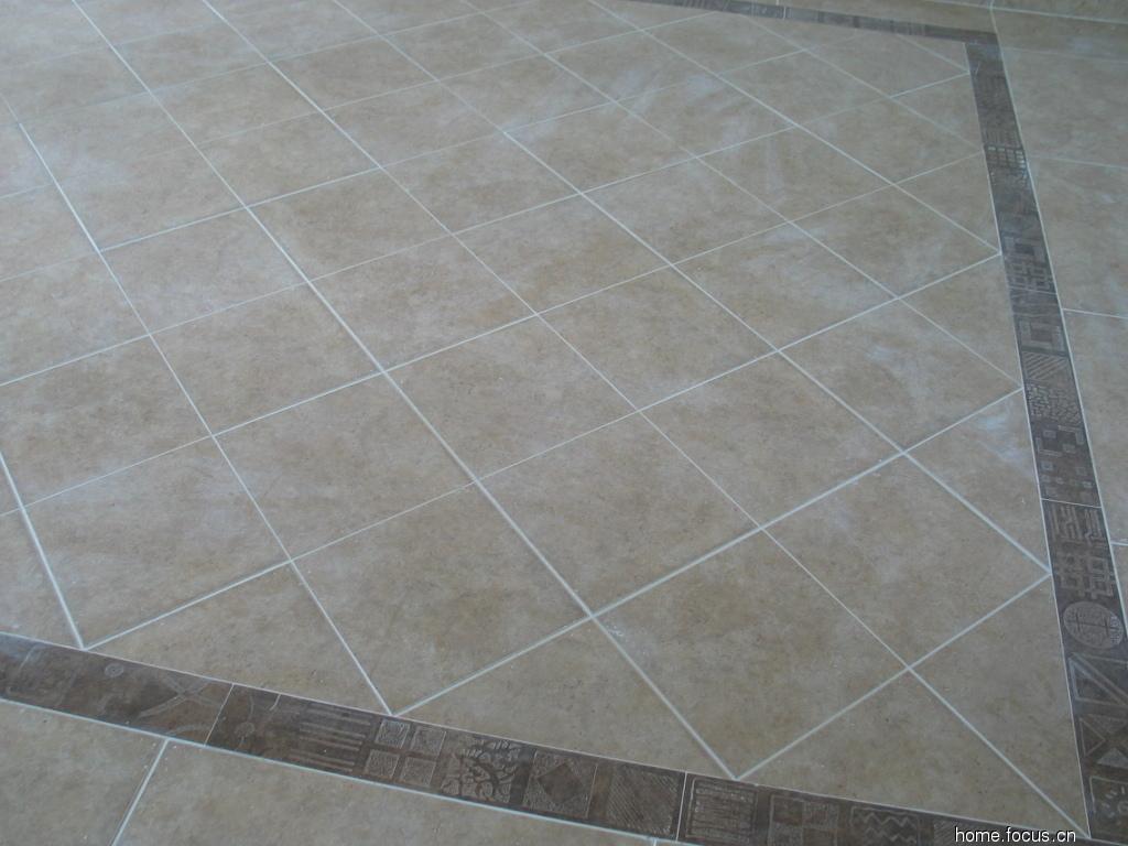 淋浴房,用的玻璃马赛克和配套的地面砖效果不错,不过我忘记拍高清图片